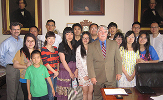Sun Yat-sen students with AG Zoeller